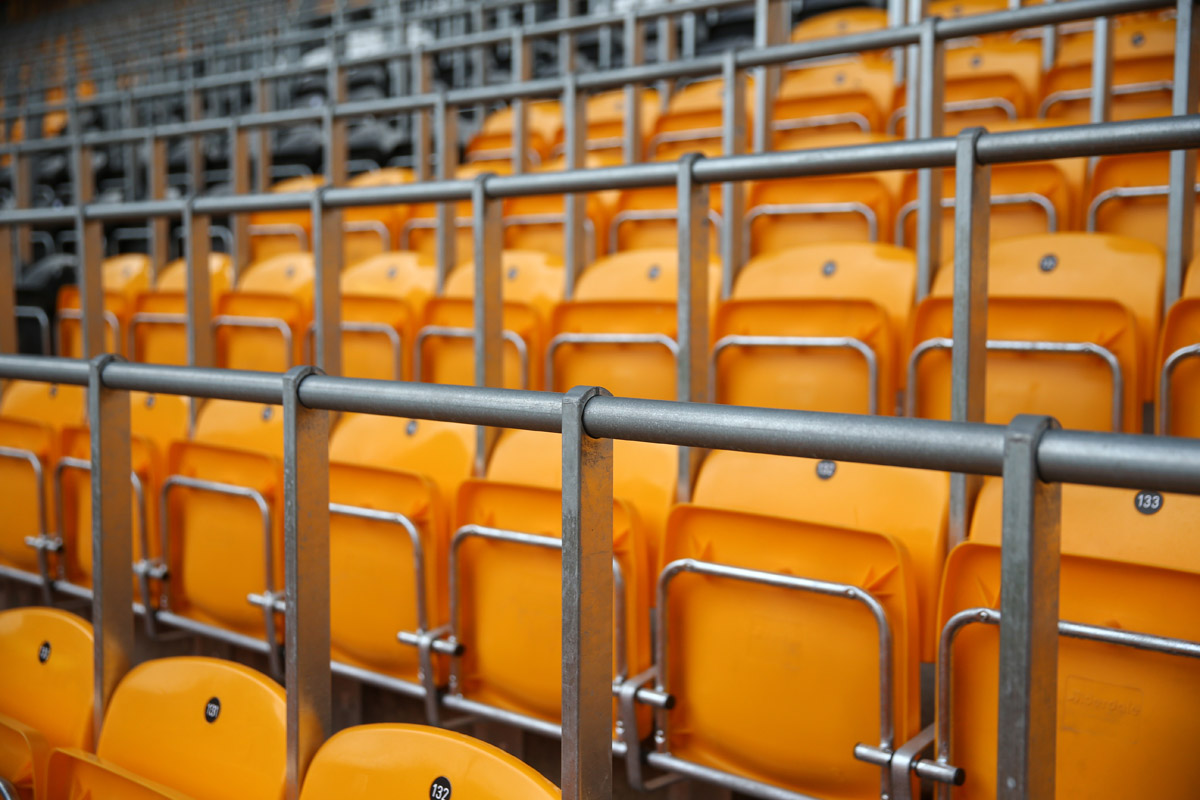 safe-standing-wolverhampton-molineux