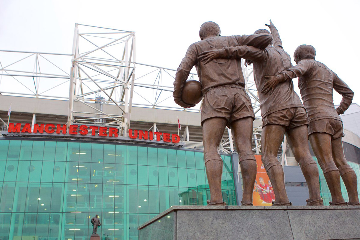 statua trinity best law charlton old trafford