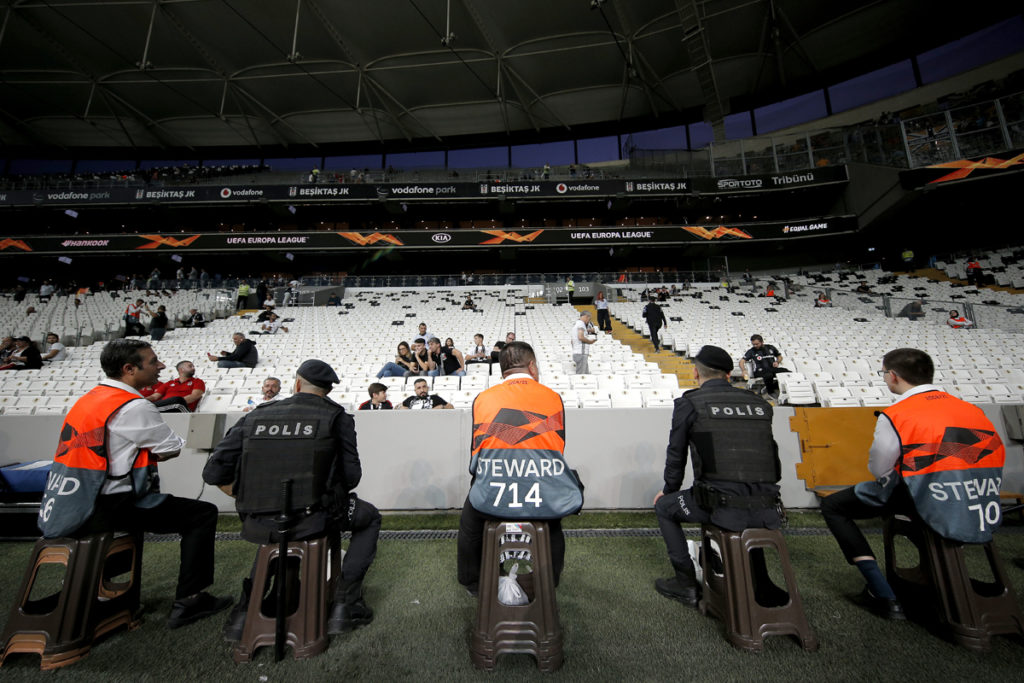 steward stadio besiktas vodafone park