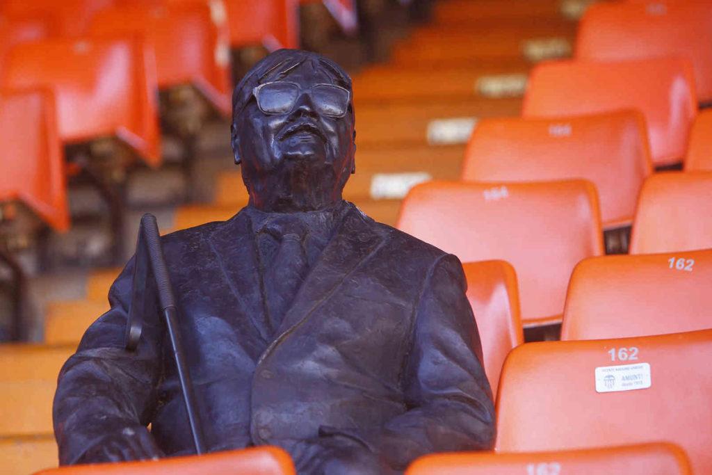 valencia-mestalla-statua