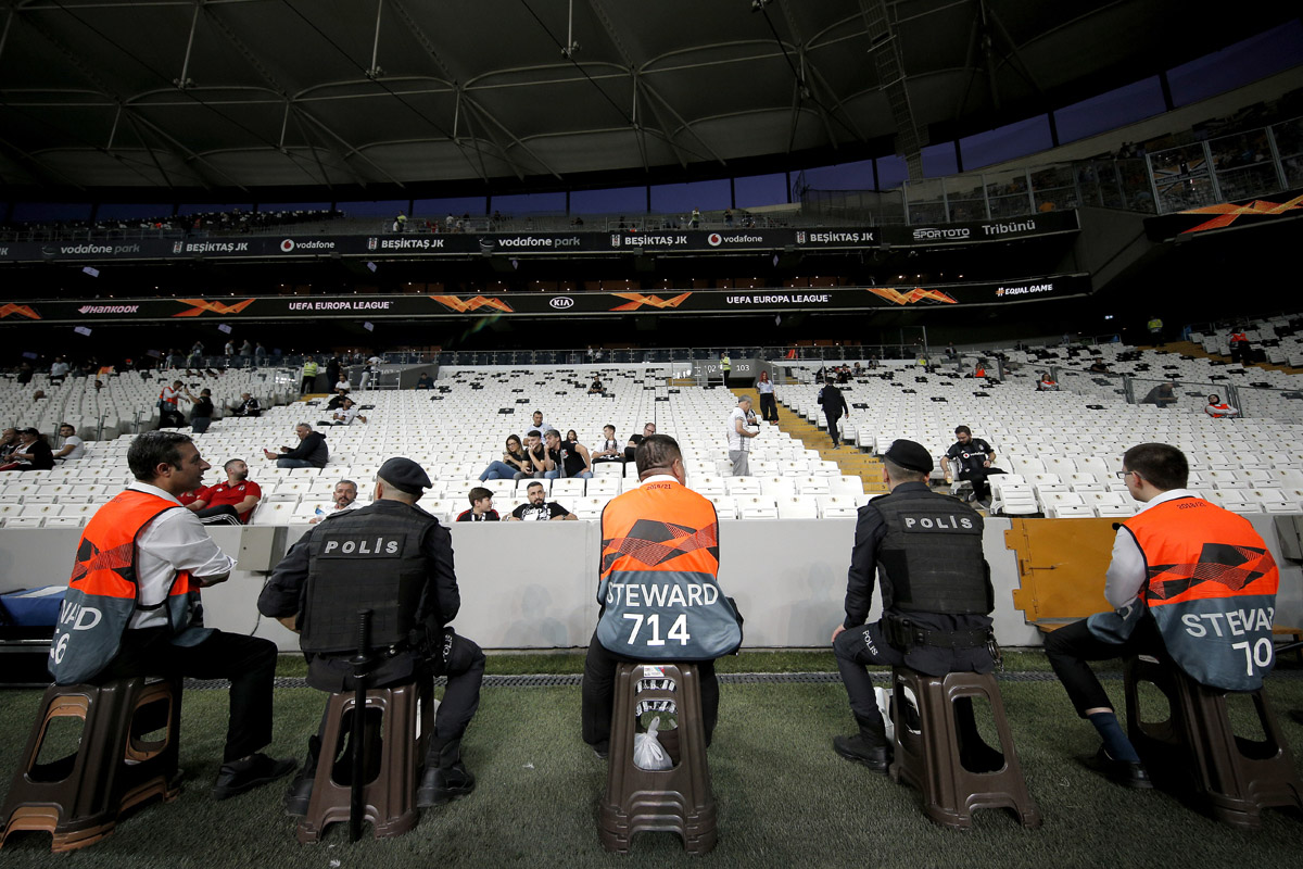 steward-stadio-besiktas-vodafone-park