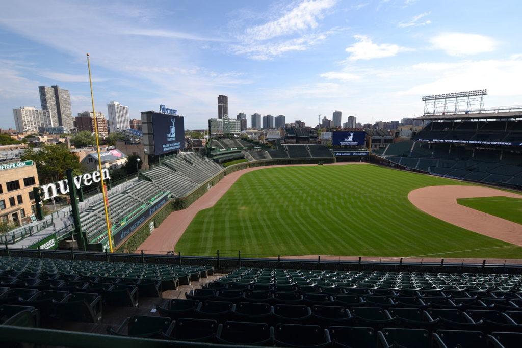 vista interna dello stadio wrigley field di chicago