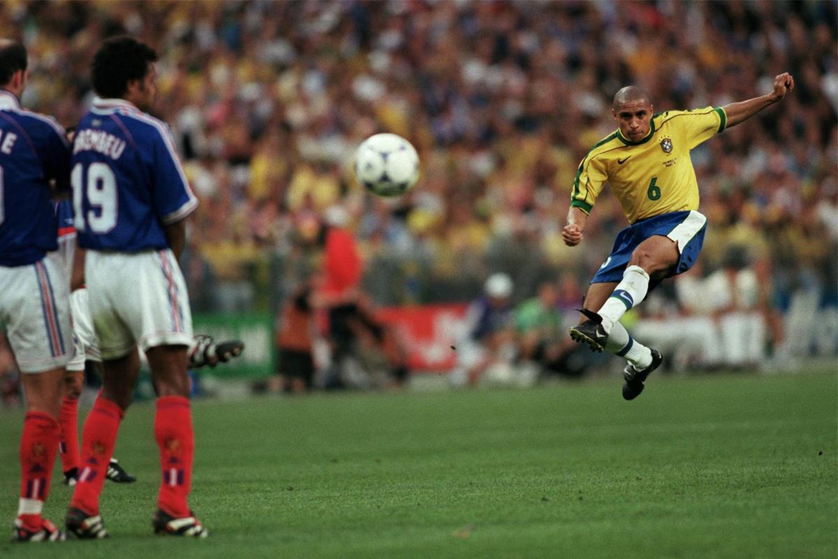 roberto carlos punizione brasile francia 3 giugno 1997