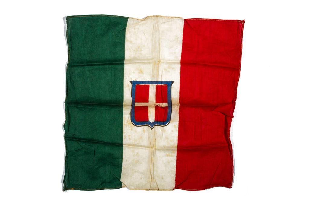 italia bandiera tricolore savoia
