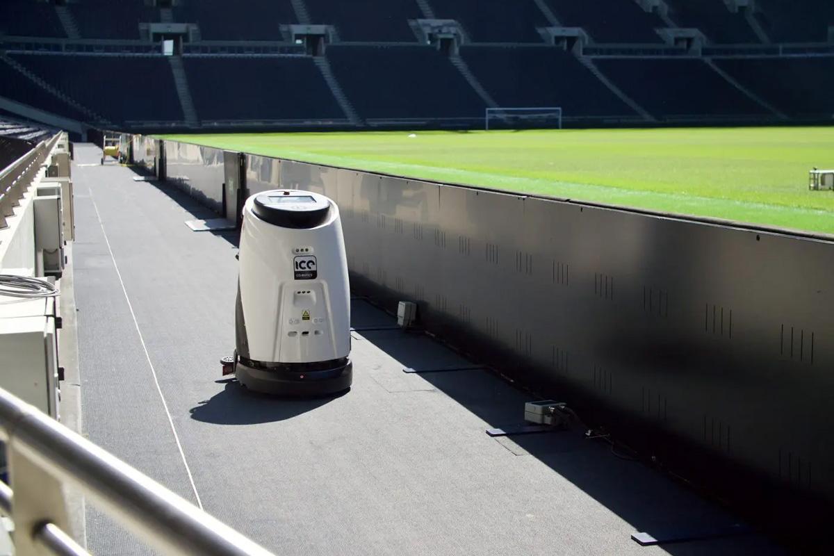 tottenham stadio eco robot